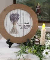 Farmhouse Cottage Grateful Lavender Round Sign