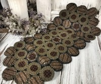 Country Road Wool Hand Stitched Rustic Penny Table Mat