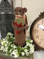 Garden Strawberry Mouse Rustic Primitive Decor Accent