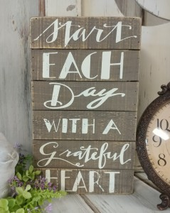Grateful Heart Farmhouse Cottage Box Sign