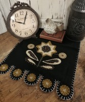 Primitive Rustic Sunflower Wool Blend Table Runner