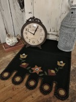Primitive Rustic Folk Flower Vine Penny Table Runner