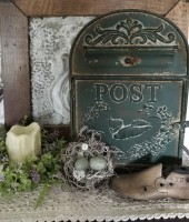 Rustic Cottage Summer Bird Display