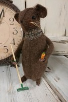 Rustic Garden Mouse with Carrot- Handmade in USA