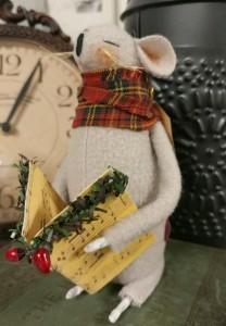 Caroling Christmas Handmade Home Decor Mouse